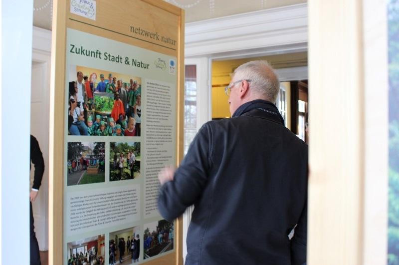 netzwerk natur, Eröffnung der Wanderausstellung WALDGRÜN - STADTGRÜN in Ahrensburg
