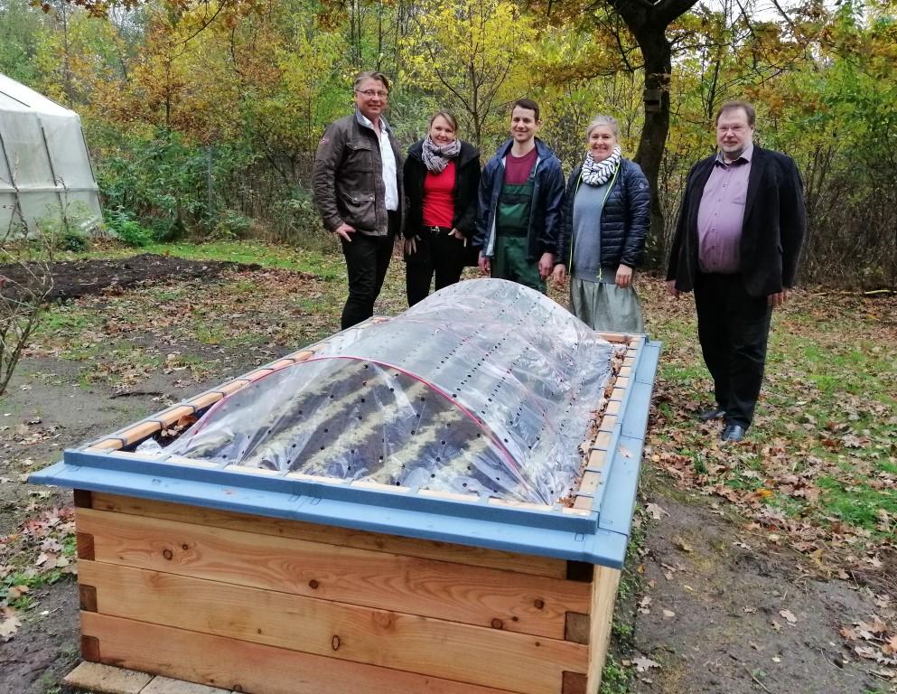 netzwerk natur- Übergabe des PflanzenWelten Hochbeetes in Kakenstorf (Foto: Dr. Arne Einhausen GmbH & Co. KG)
