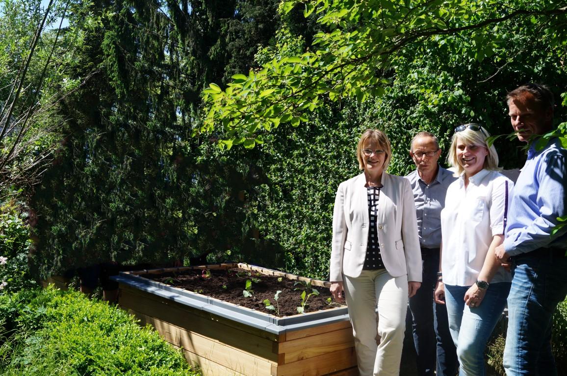 netzwerk natur, Übergabe der PflanzenWelten-Hochbeete in Barmstedt
